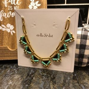 Stella & Dot Zia Necklace